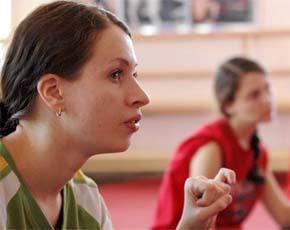девушка познакомиться глухих и слабослышащих